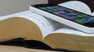 bible-1021657_640