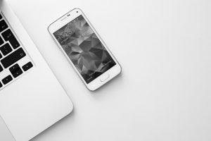 smartphone-925758_640